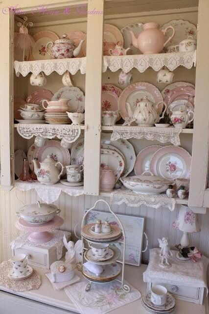 12 best images about tea pots tea cups on pinterest shabby chic kitchen tea cups and tea sets. Black Bedroom Furniture Sets. Home Design Ideas