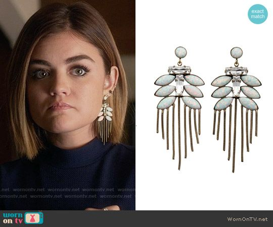 Aria's earrings on Pretty Little Liars.  Outfit Details: https://wornontv.net/55812/ #PLL