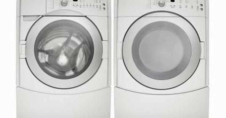 Cómo encontrar un lugar que compre lavadoras y secadoras usadas. Las lavadoras y las secadoras, al igual que todos los grandes electrodomésticos, con el tiempo tienen que ser reemplazados. Sin embargo, usualmente nos preguntamos qué hacer con el viejo aparato antes de comprar uno nuevo. Los propietarios pueden donar o reciclar los aparatos o incluso hacer algo de dinero al venderlos. Algunas empresas compran ...