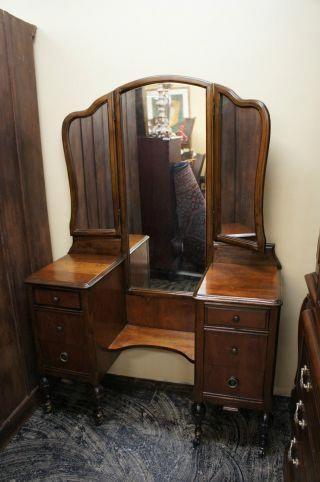 antique vanity dresser with mirror antique vanity dresser tri fold rh pinterest com