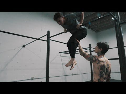HOW TO MUSCLE UP IN 5 MINUTES WITH 3 EASY STEPS!!!   THENX - YouTube