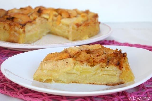 Torta di mele cremosa, scopri la ricetta: http://www.misya.info/2015/10/08/torta-di-mele-cremosa.htm