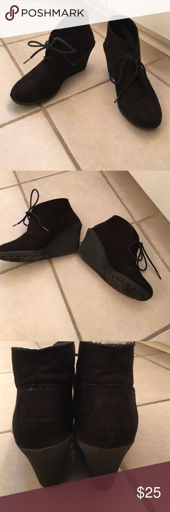 White mountain black booties size 8 black White mountain black booties size 8 black gently used! Black shoe laces that tie and adjust! White Mountaineering Shoes Ankle Boots & Booties
