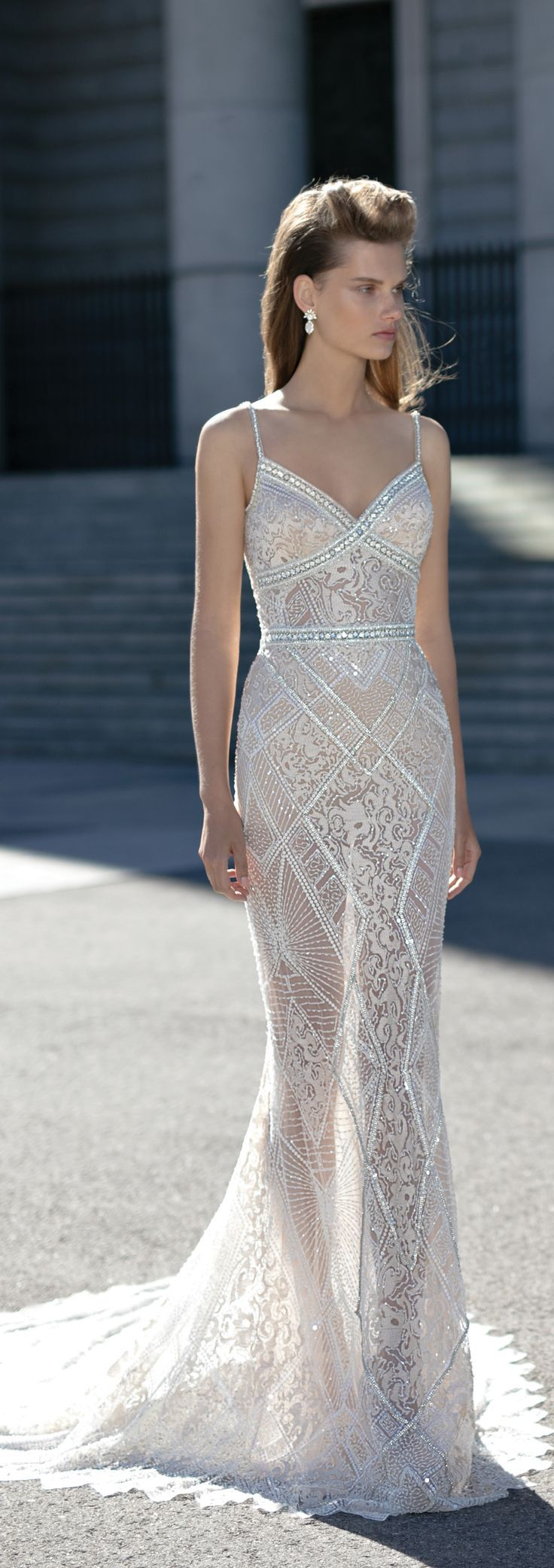 How beautiful is this @bertabridal gown? Have you followed them on Pinterest yet?