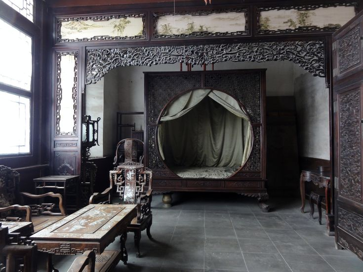 Chinese Bedroom in Tianjin. This is AMAZING design. (Lin's old bedroom inspiration...a bit too much)