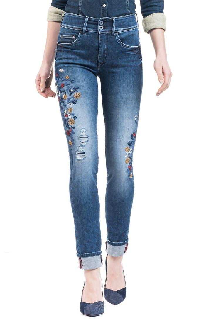 Jeans Push In Secret com perna justa e bordados