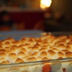 Candied Yams - 29oz can, drained; 1/4c butter, diced; 1/2c b. sugar; mini marshmallows - 400 degrees, 25 mins