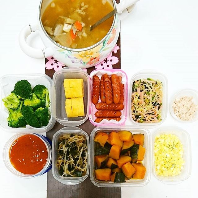 miho8114今日の作り置き。 ※とん汁 ※ゆでブロッコリー ※たまごやき ※もやしハムきゅうり酢の物 ※ツナマヨ ※ミートソース ※もやしわかめの中華和え ※かぼちゃ煮物 ※たまごマヨ  #おうちごはん #かぞくごはん  #娘ごはん #夕ご飯#夕食#あさごはん#朝食 #働くママ#作り置き #ワーキングマザー #常備菜#時短 #時短料理#時短調理  #煮物#酢の物#たまごやき  #サンドイッチ