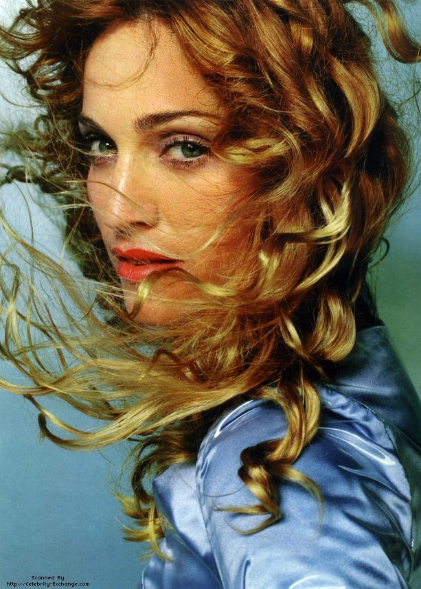 Even though she's kinda freaky, this is a stunning picture of Madonna.