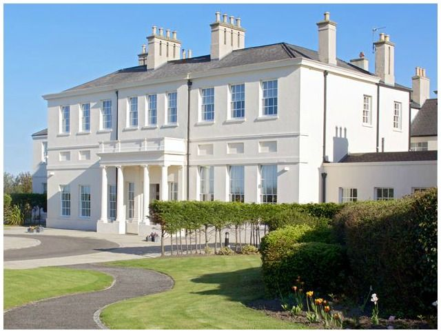 In January 1815 Lord Byron Byron married at Seaham Hall, a Georgian country house in the harbour town of Seaham on the Durham Coast. Nowadays Seaham Hall is a five-star luxury spa hotel just minutes from the sea front.