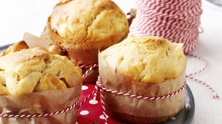 Muffins met appel of banaan . Recept is voor 12 st. in totaal . Bekijk Video .