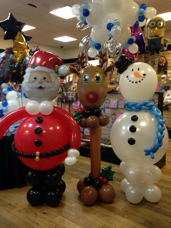 Balloon Santa and Frosty the Snowman.... HO HO HO Merrrrry Christmas!