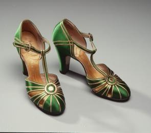 Designed by Palter De Liso for David Jones Limited, Australia, 1925-1935 - Powerhouse Museum Collection. #vintage #fashion #shoes