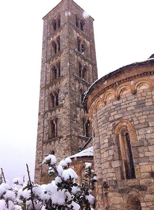 Sant Climent de Taüll 16/01/15 #valldeboi #romanicvalldeboi   Lleida  Catalonia