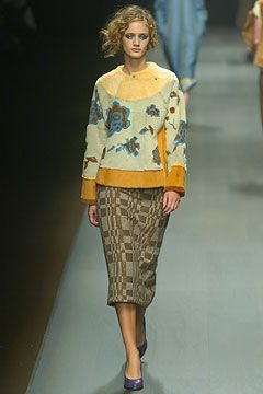 Dries Van Noten Fall 2004 Ready-to-Wear Collection on Style.com: Complete Collection