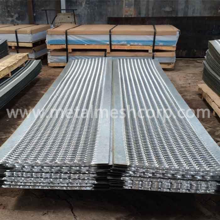 Anti Skid Plate For Walkways Safetygrating Channel Height Available 2 2 1 2 3 4 5 Walkway Steel Gauge 9ga 10ga 11g The Struts Steel Gauge Expanded Metal