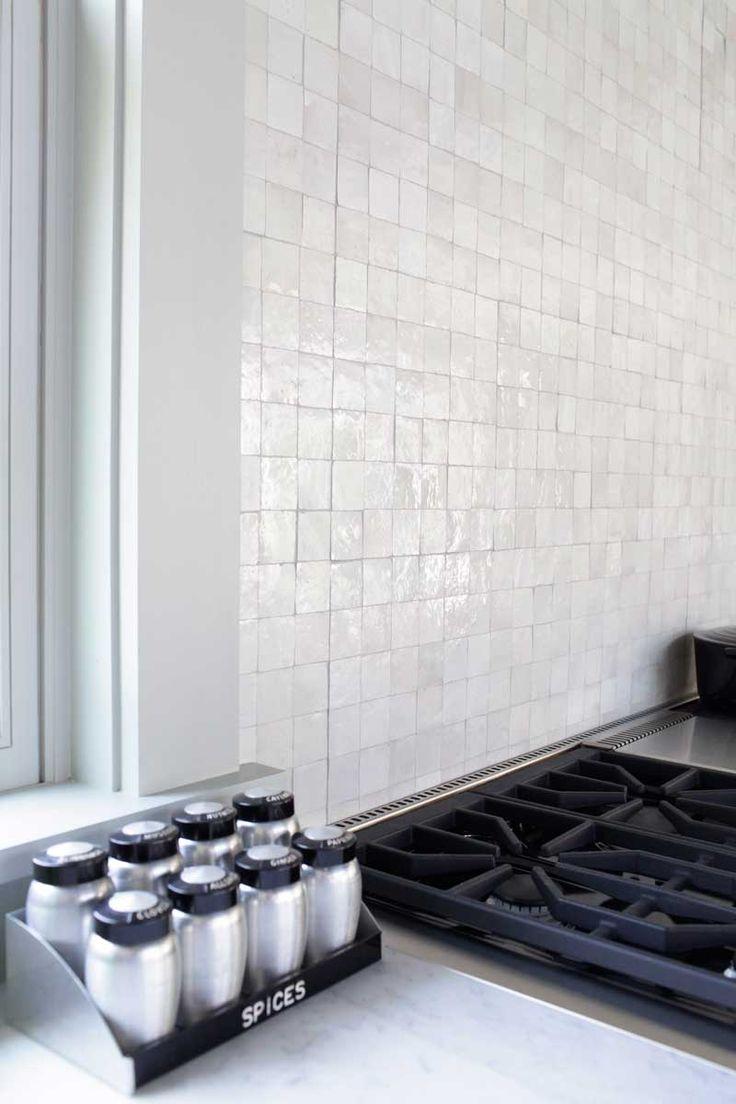 Mosaic House's handcut R'ceef 2x2 tiles in white on the backsplash. Designer: Dan Scotti Design #handcut #moroccantile #zellige #interior design #kitchen #hamptonsstyle