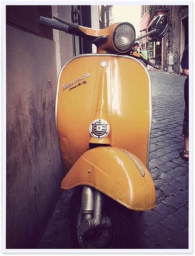 #Vintage Vespa in Rome