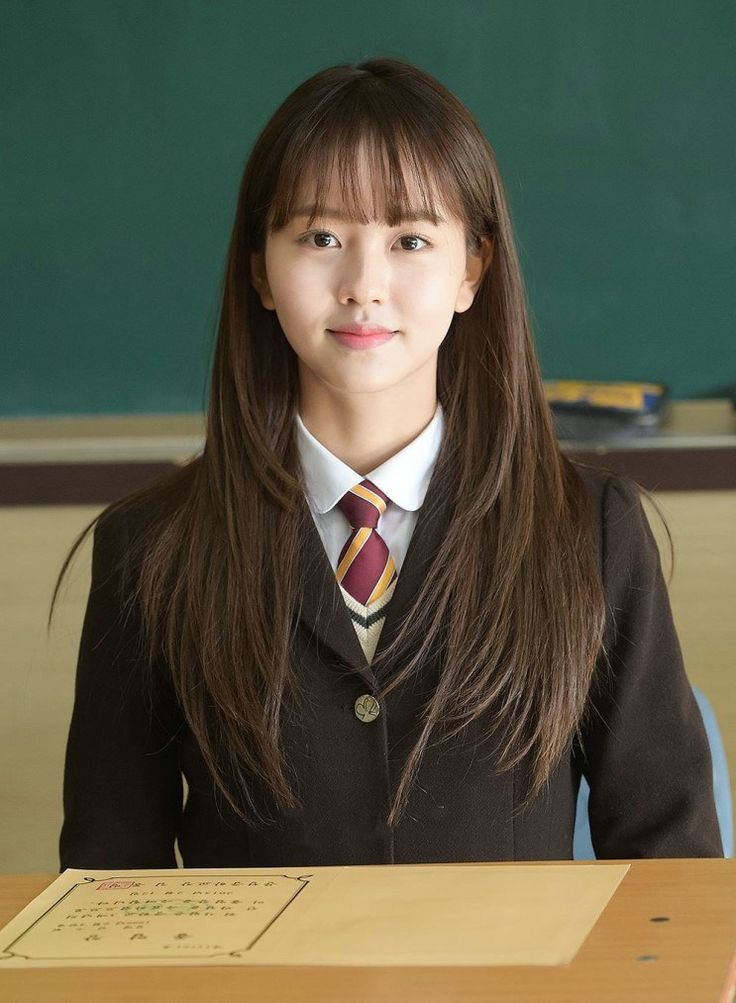 See what high school was like for School 2015 star Kim So Hyun