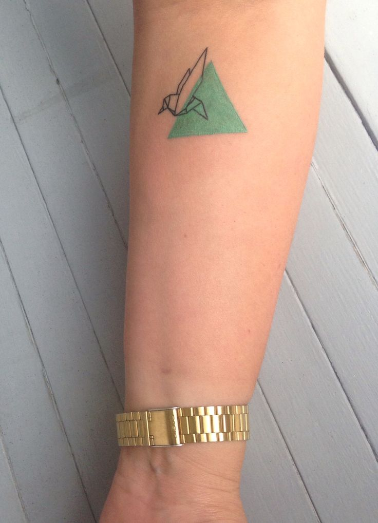 Tattoo Origami bird geometric graphic