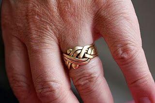 How to make a puzzle ring - Come fare un anello puzzle con diversi pezzi a incastro