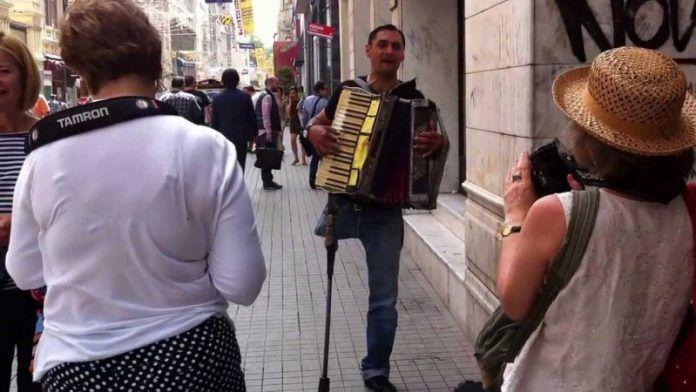 İzmir Sokak Sanatçıları Hakkında Bilmek İstedikleriniz