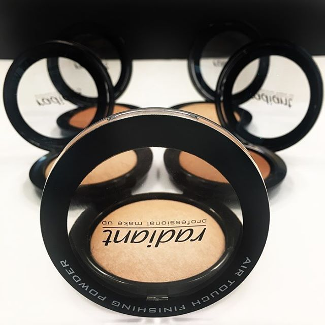 Apply Air Touch Finishing Powder after the moisturizer or over the foundation…