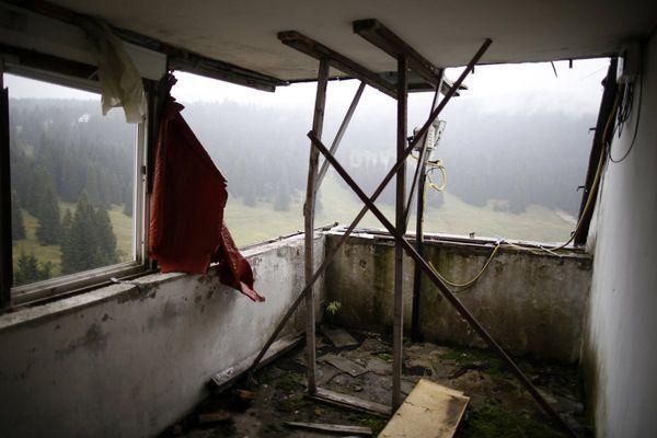 The 1984 Sarajevo Olympic Venue Photos are Hauntingly Beautiful #abandoned #photography trendhunter.com