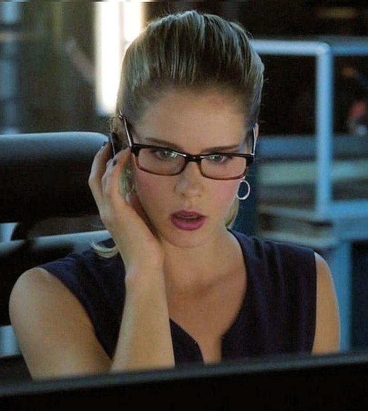 Emily Bett Rickards Glasses