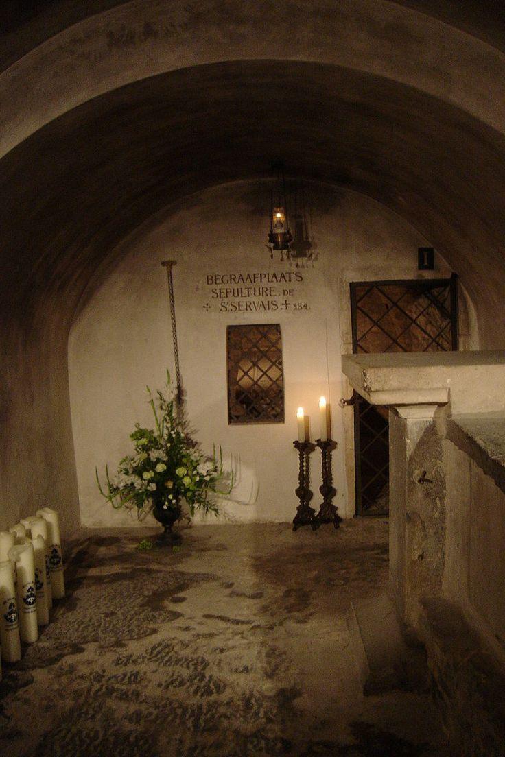 Mestreech - Sintervaos / Servaos /Faos (Servatius) → gestorve 384?