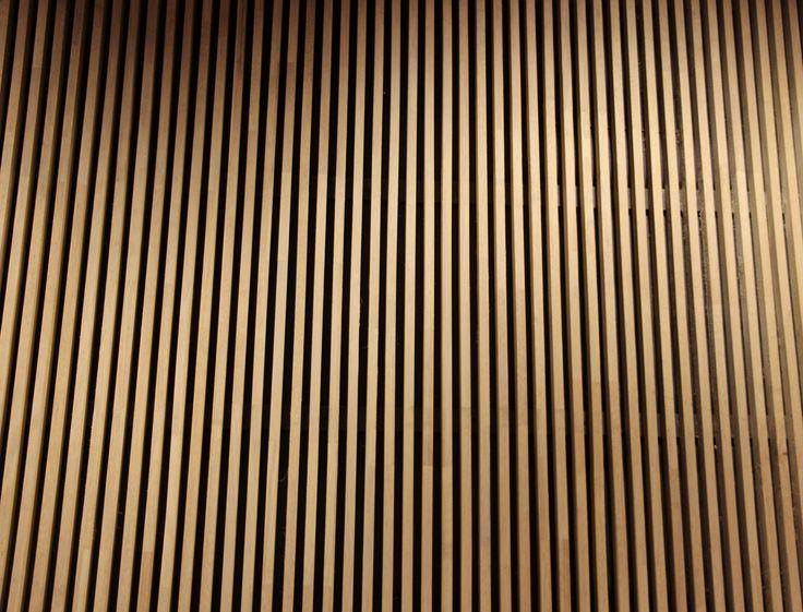 Deze verticaal lopende lijnen lopen evenwijdig met elkaar. Dit is een voorbeeld van een statische compositie.