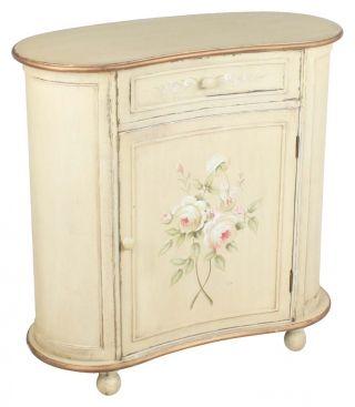 """Cabinet oval """"Shabby Roses"""" - conturul său elegant stârneşte nostalgii de lume veche, recomandându-l pentru amenajarea unui interior de living cu patină."""