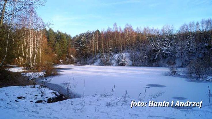 """Jeziorko znane z filmu """"Ranczo Wilkowyje"""" w scenerii zimowej. To tam Klaudia spotkała zafascynowanego filozofią Emana. Fot. Hania i Andrzej (ranczo.org)"""