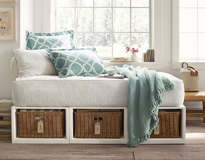 25  best Small guest rooms ideas on Pinterest cozy reading or pinning nook  lol  potterybarn   Daybed Bedroom  IdeasBedroom  . Small Guest Bedroom Ideas. Home Design Ideas