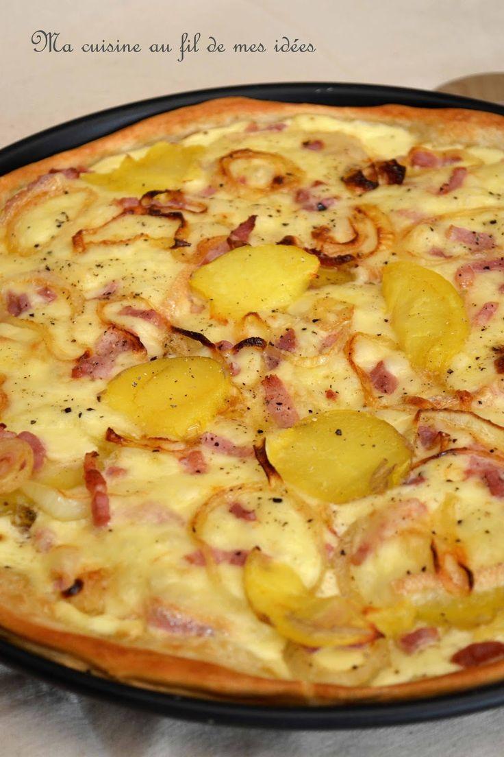 Une pizza bien de saison ! Et comme il me reste souvent quelques tranches de fromage à raclette... pas de gaspillage ;-) Ingré...