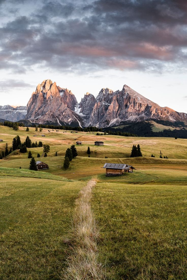 ITALY DOLOMITI - dolomiten alm seiseralm langkofel plattkofel seiser siusi Italien