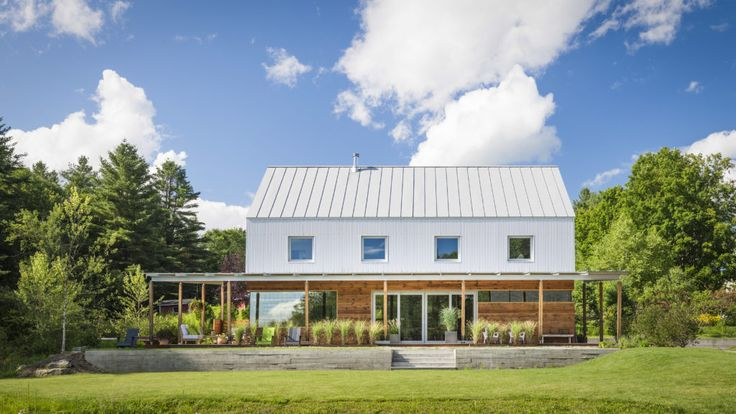 The AIA award-winning house that architect Harry Hunt designed and built for his family near Stowe, Vermont, is loaded with energy-efficient features.