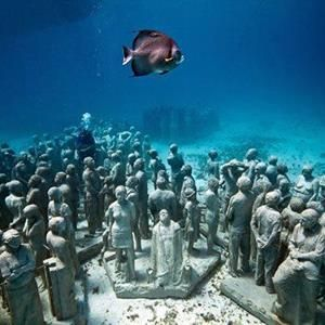 Have you ever wondered if there really was an underwater city that you could go and see? There is, Shi Cheng is a city that unfortunately sank into a Qiandao lake in China. Many divers like to go and see what is left of the city.