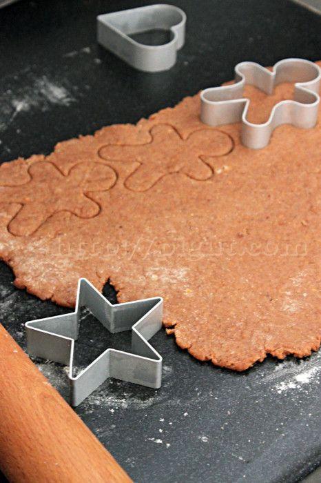 © PIGUT - Préparer facilement des biscuits de Noël vegan