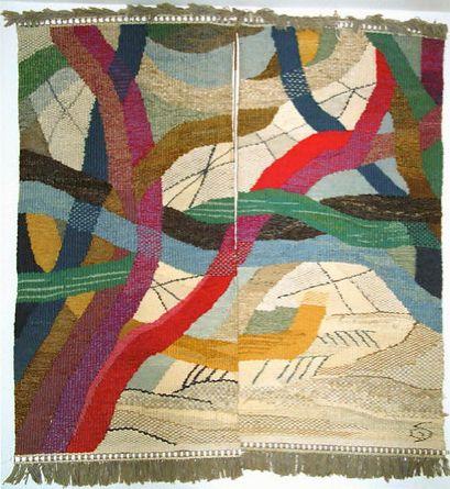 Gunta Stölzl   Gunta Stölzl entra en la Bauhaus de Weimar como estudiante, asiste a clases de Paul Klee y Johannes Itten entre otros y colabora con Marcel Breuer en su primera obra, la Silla Africana. Gropius le ofrece dirigir una clase para mujeres (¡estamos en 1920!) y poco a poco su taller se convierte en el que más pedidos recibe: tapices y tejidos con diseños y técnicas de producción totalmente novedosos, en los que existen influencias de sus colegas de la Bauhaus, como Kandinsky.