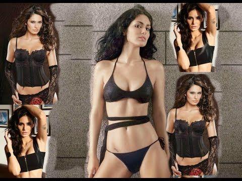 Bruna Abdullah Shows Hot Curvy Body
