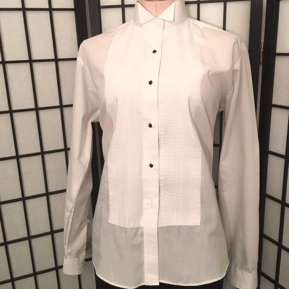 ❤️Super Chic Ladies Tux Shirt❤️ Worn once. Super Chic White Ladies Tux Shirt Neil Allen Tops Button Down Shirts