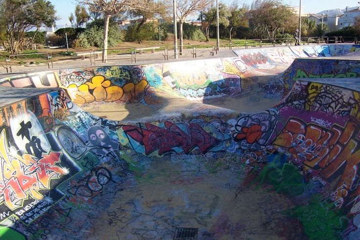 Bowl du Prado Skatepark de Marseille (13) - Plus de spots et skateparks sur www.spotsdeskate.fr