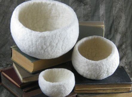 This tutorial includes instructions for felting a small, medium, or large bowl.