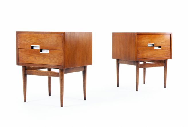 American of Martinsville Bedside Cabinets with 'X' Inlay Detalis   Bid Here - https://www.auctionstuff.co.nz/listing/y-A8B32F2A-257E-23B3-0B38-700CC32C122D