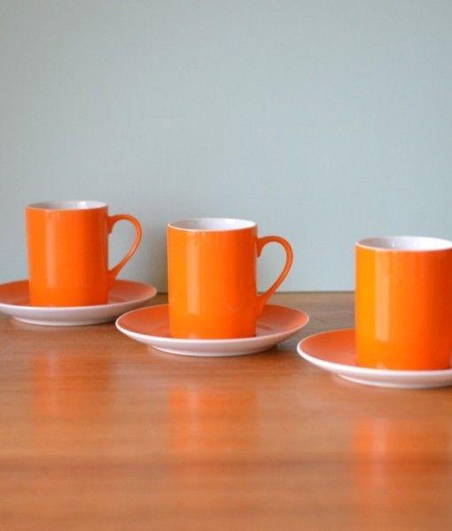 Retro orange tea cups & saucers x 3