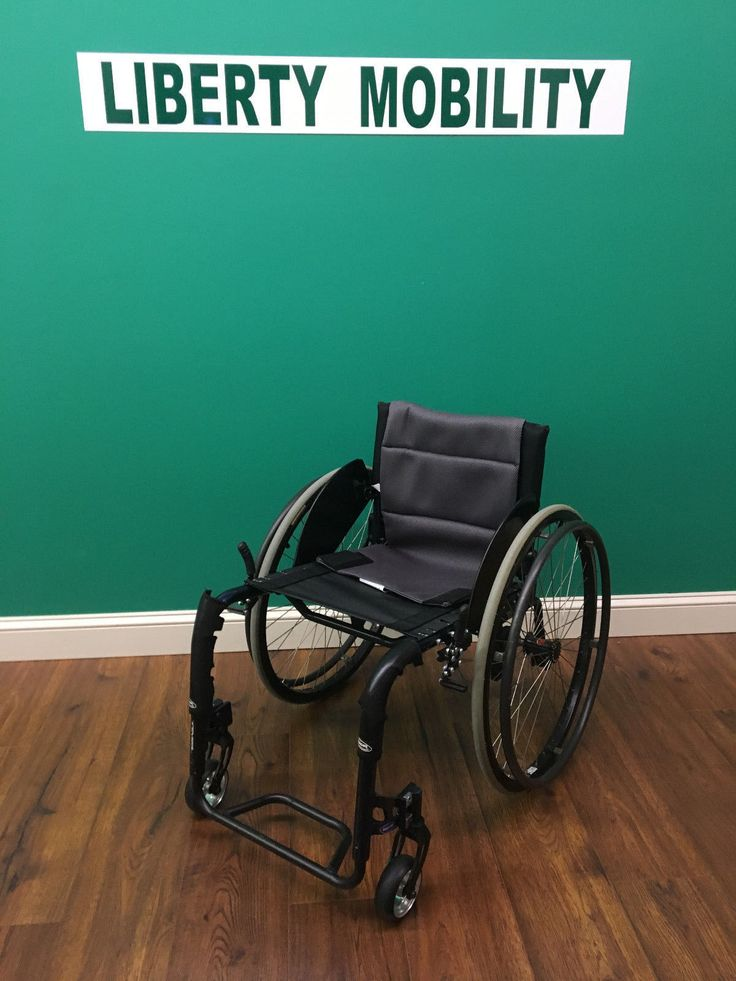 Invacare Top End REVEAL Lightweight Manual Wheelchair w/ Wheel Guards LM7246