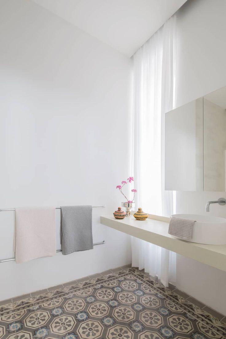 Apartment Eu0026E: Moderne Badezimmer Von Destilat Design Studio GmbH
