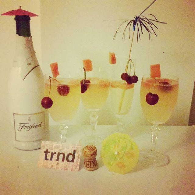 Un brindis con #freixenetice en coctail con sandia y cerezas. Gracias a #trndespaña y @freixenet