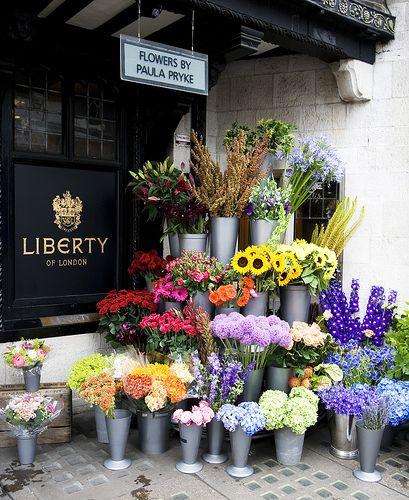 Flowers by Paula Pryke by Upper Dunsley, via Flickr